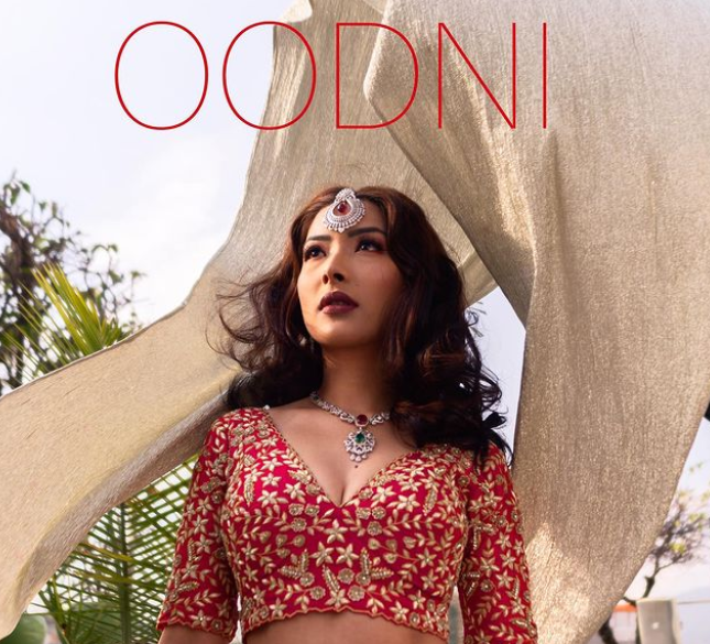 visit oodni for great wedding collections